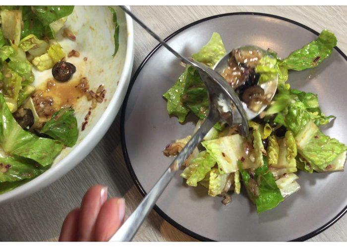 salade-romaine-aux-olives-noires