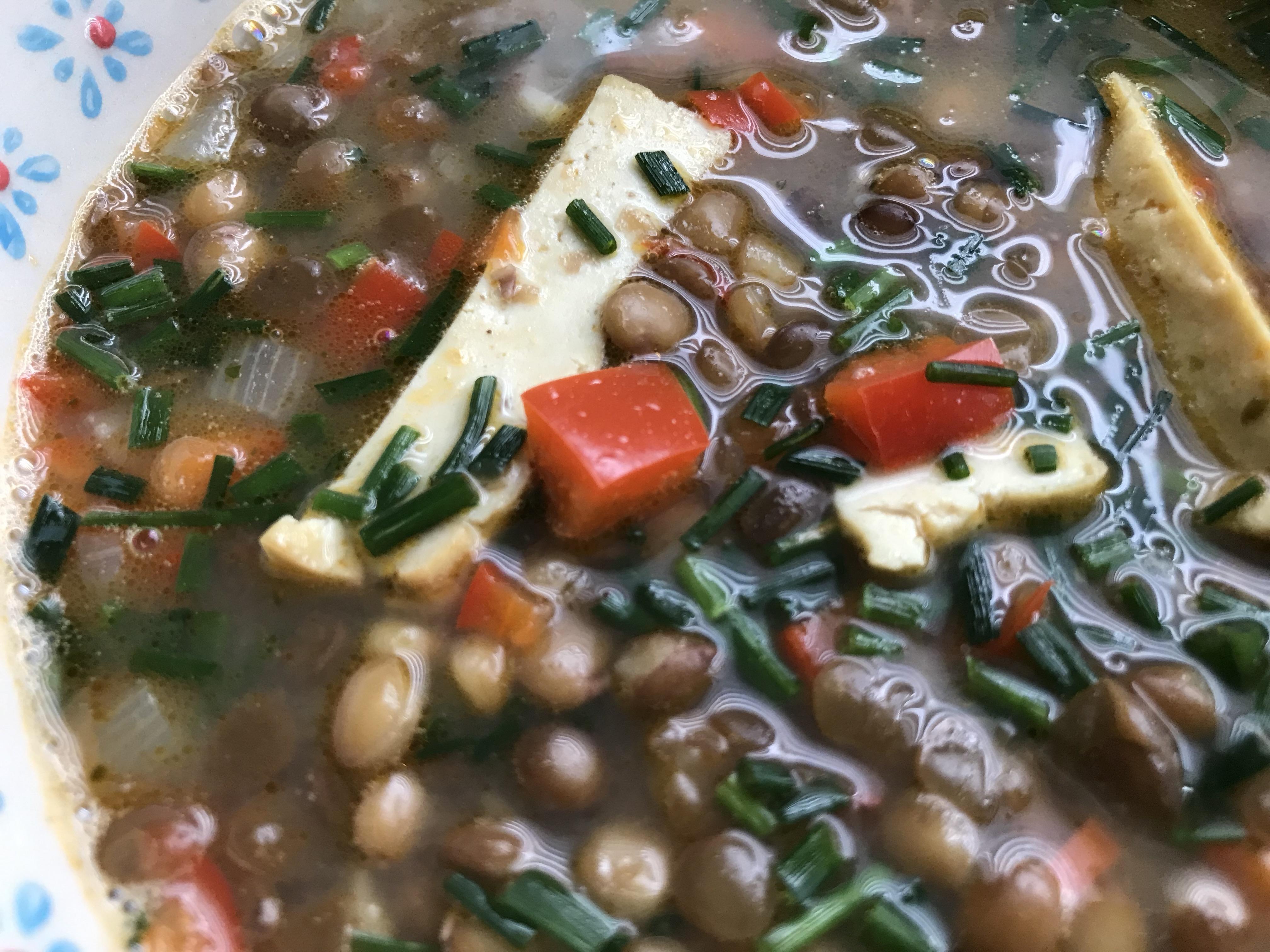 soupe-de-lentilles-aux-poivrons-rouges-et-tofu-de-la-mer
