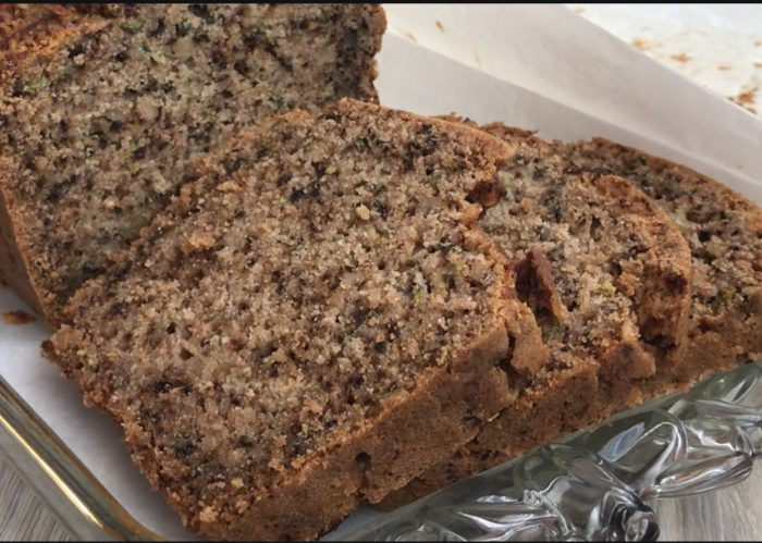 cake-aux-noix-et-aux-epices-tranche