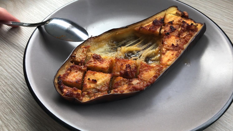 aubergine-grillee-sur-assiette